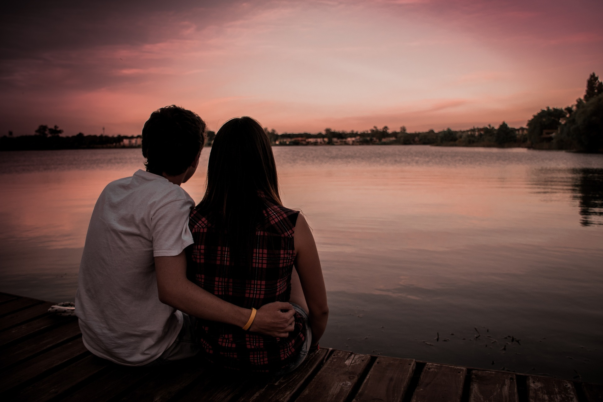The Warning Signs of Pursuer-Distancer Relationship Patterns